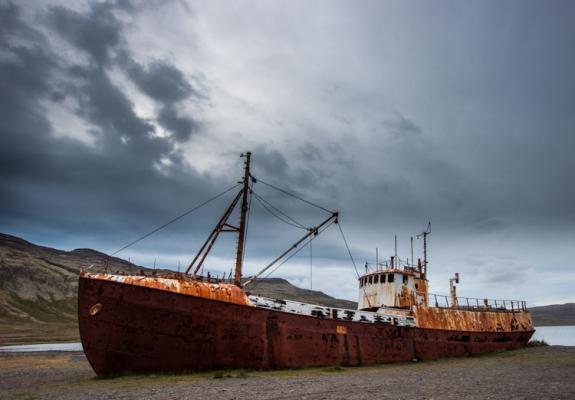 Gestrand schip in de westfjorden