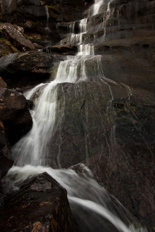 Waterval in een kloof